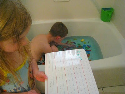 spelling-in-the-tub