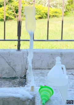 Quick Bottle Rockets With Baking Soda & Vinegar