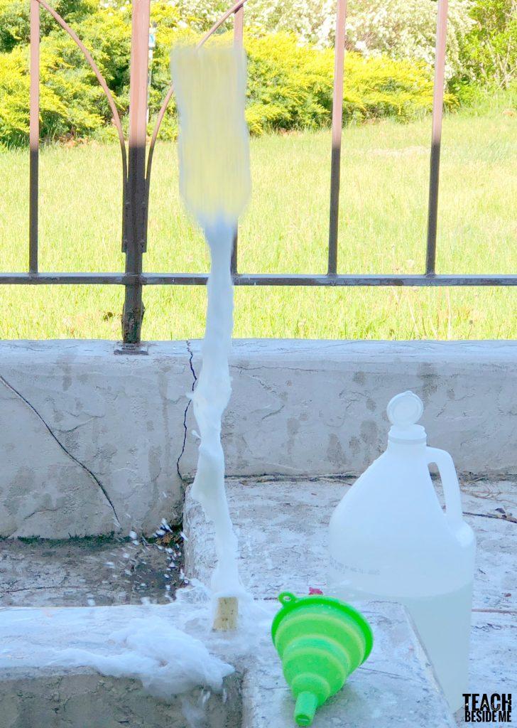 Baking soda and vinegar bottle rockets