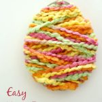 Easy-Yarn-Egg-Craft-for-Easter...fun-and-easy-for-kids-to-make.-Great-for-Easter-parties-class-activities-and-large-group-gatherings