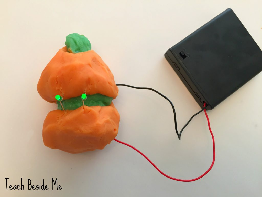 halloween-science-pumpkin-conductive-play-dough