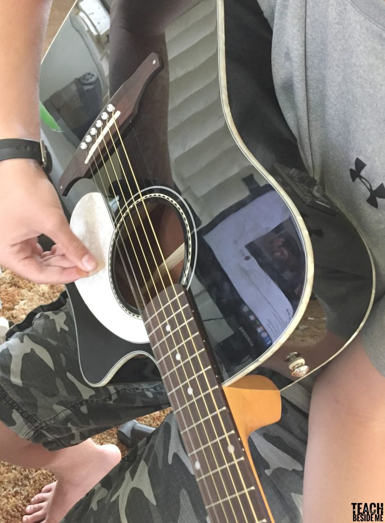 teaching kids guitar