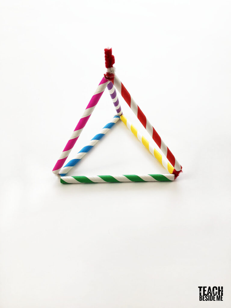 Pyramide de forme 3D